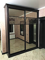 Шкаф купе, деревянный фасад, зеркало