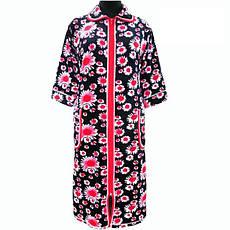 Гарний халат в ромашках домашній зимовий велюровий на блискавці з кишенями і рукавом три чверті