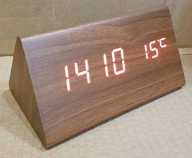 Стильные электронные часы VST 861-1 (дата/температура)