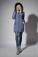 Утепленное зимнее женское пальто серо-голубого цвета