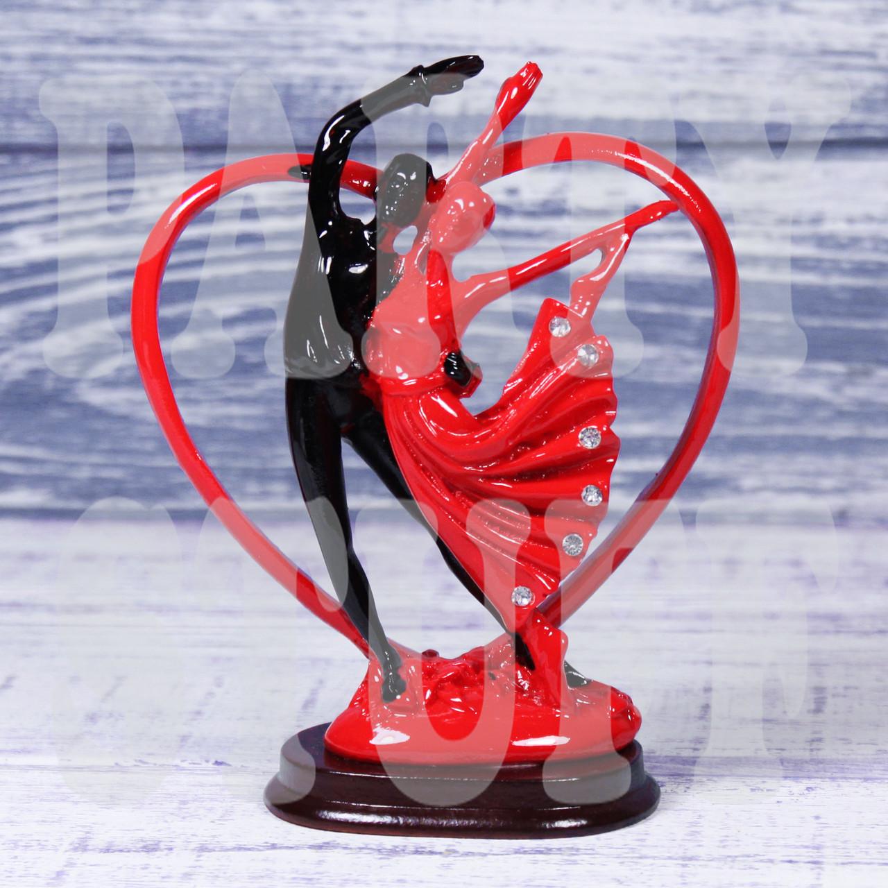 Статуэтка Танцующая пара влюбленных