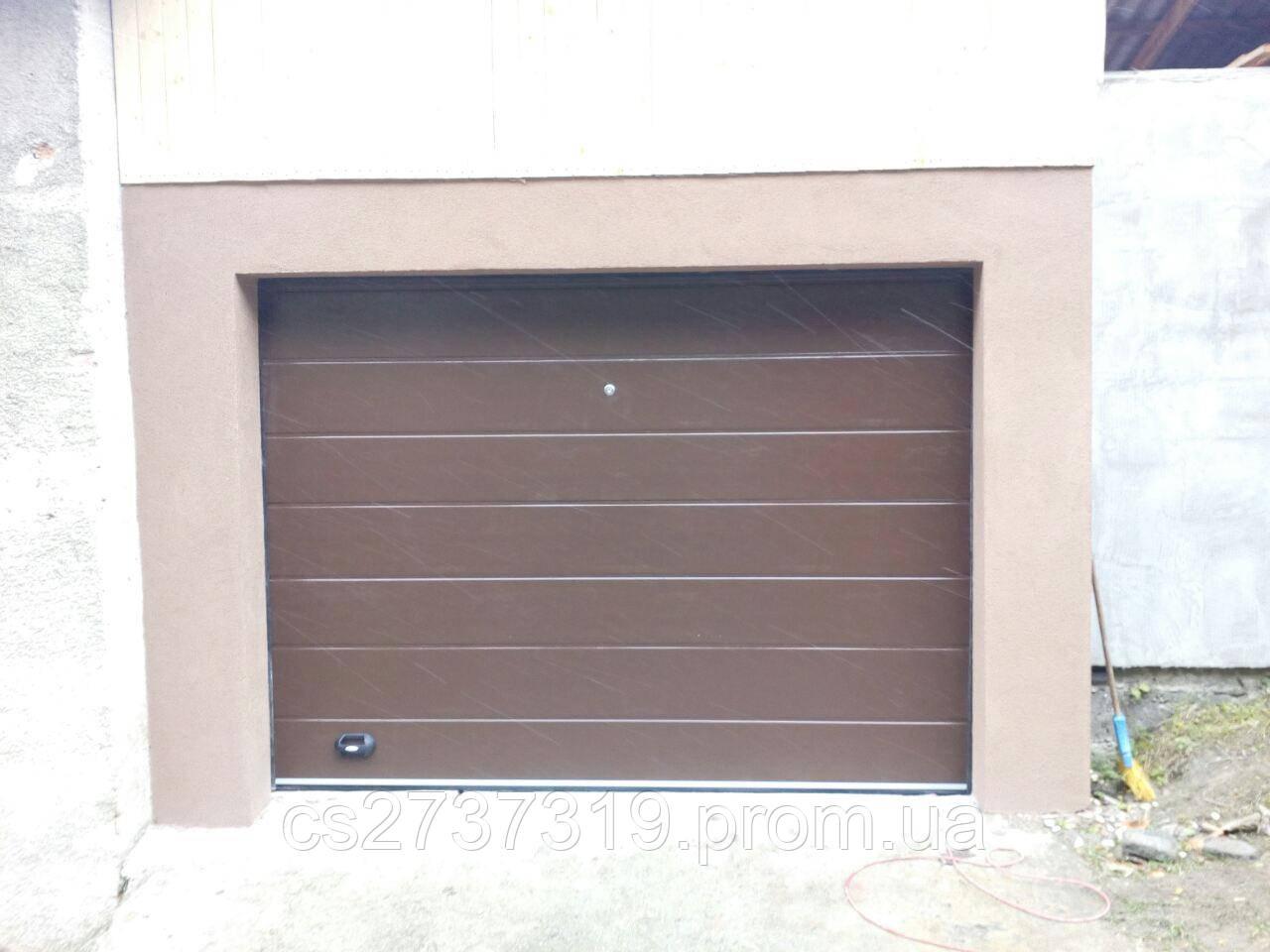 Гаражные секционные ворота  DoorHan 3000*2200, автоматические
