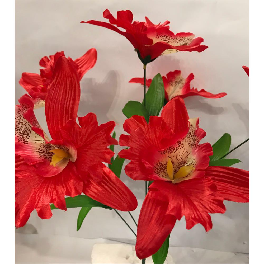 Искусственный букет орхидея.