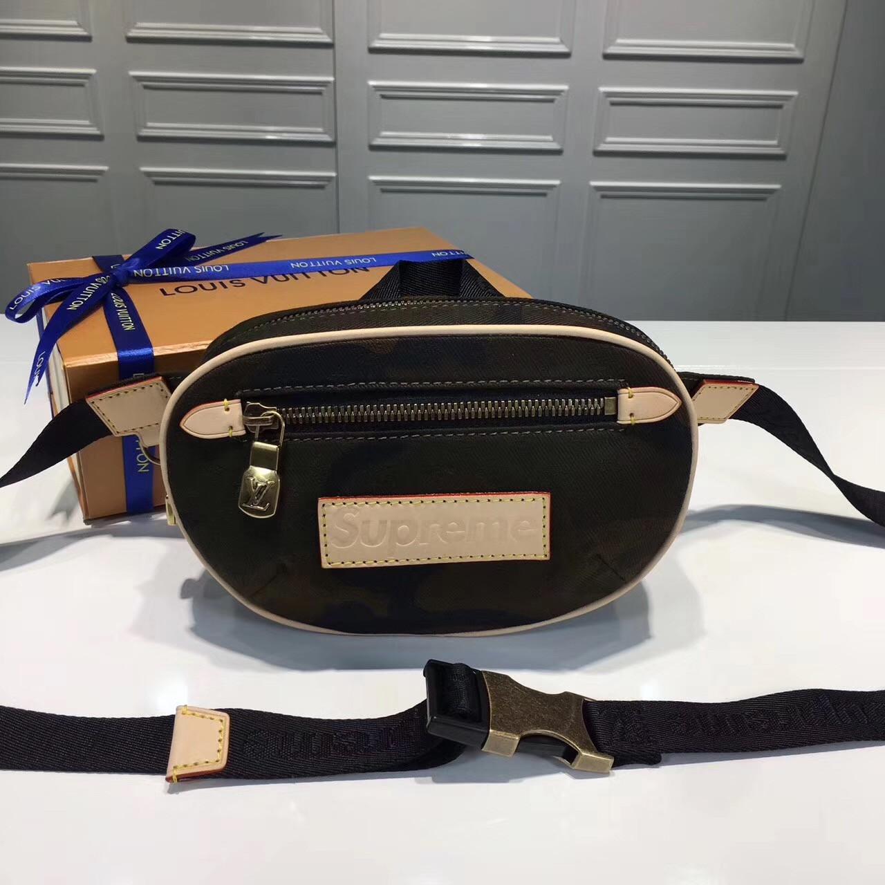 06c4ebe14257 Supreme X Louis Vuitton сумка камуфляж, цена 10 400 грн., купить в Киеве —  Prom.ua (ID#619292499)
