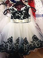 Платье детское для девочки нарядное Валерия бархат, белое с зеленым на 4-5 лет
