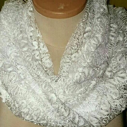 Шарф ажурный белый с бахромой (разные цвета)