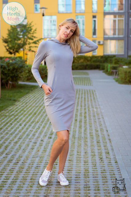 Спортивное платье без капюшона для беременных и кормящих мам HIGH HEELS MOM (серый, размер S/M)