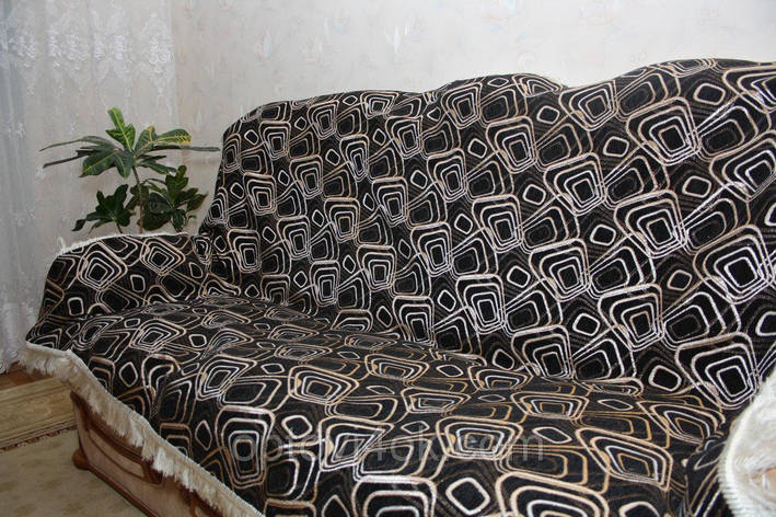Ромбы покрывала на двуспальную кровать, большой диван и два кресла черного цвета, фото 2
