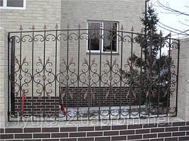 Сварной забор с кованными элементами