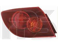 Фонарь задний для Mazda 3 '04-05, хетчбек правый, внешний, красный (DEPO)