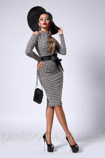 Модное теплое платье декорировано кожаным поясом  -  код 301
