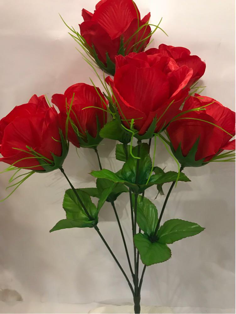 Искусственный букет роза.