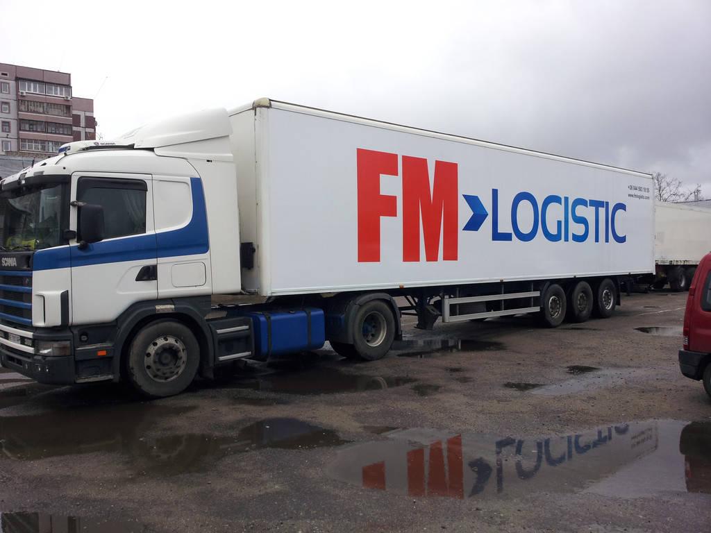 Изготовление рекламы на тентах для фур FM Logistic
