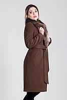 Зимнее классическое пальто с мехом енота
