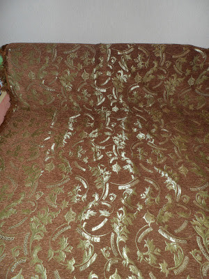 Гобеленовое покрывало песочного цвета Версаче на большой диван и два кресла