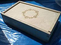 Коробка из дерева для сувениров и подарков