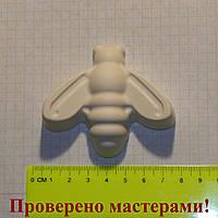 Гипсовая фигурка пчела