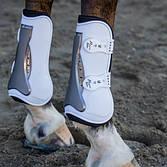 Защита ног лошади: ногавки, колокольчики, бинты, hoof boots.