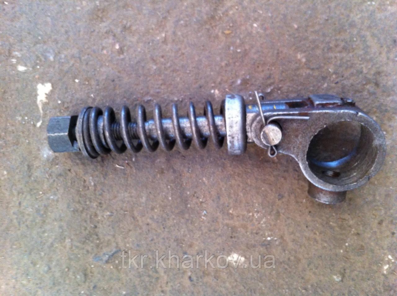 Серьга Т150 тормозка в сборе   125.21.244 (метал.)
