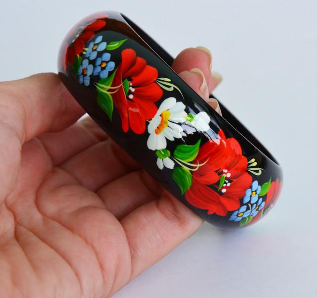 деревянный браслет в украинском стиле Танок квітів