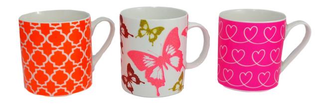 Фарфоровые кружки и чашки