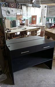 Стол черный для салона красоты с ящиками и полочкой внизу
