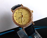 Женские наручные часы  IWC Schaffhausen черные с камнями