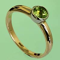 Золотий перстень  з хризолітом