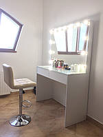 Стол белый для визажиста, парикмахера на два выдвижных ящика и встроенными в зеркало цоколями