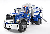 Машина бетоносмеситель MACK Bruder 02814