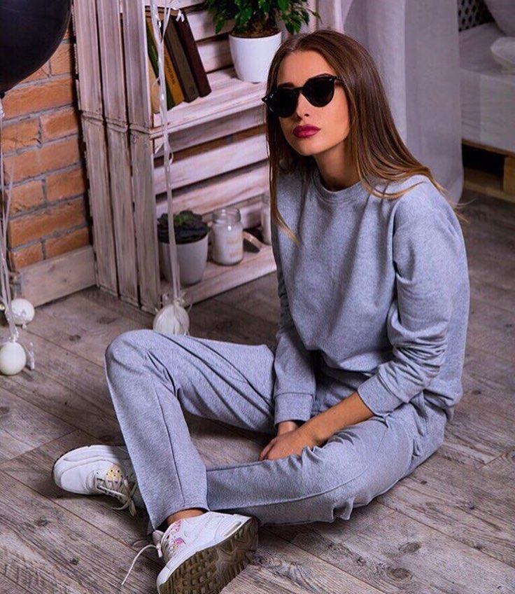 6c451e8e6733 Модный женский спортивный костюм серого цвета - Интернет-магазин одежды и  обуви от производителя