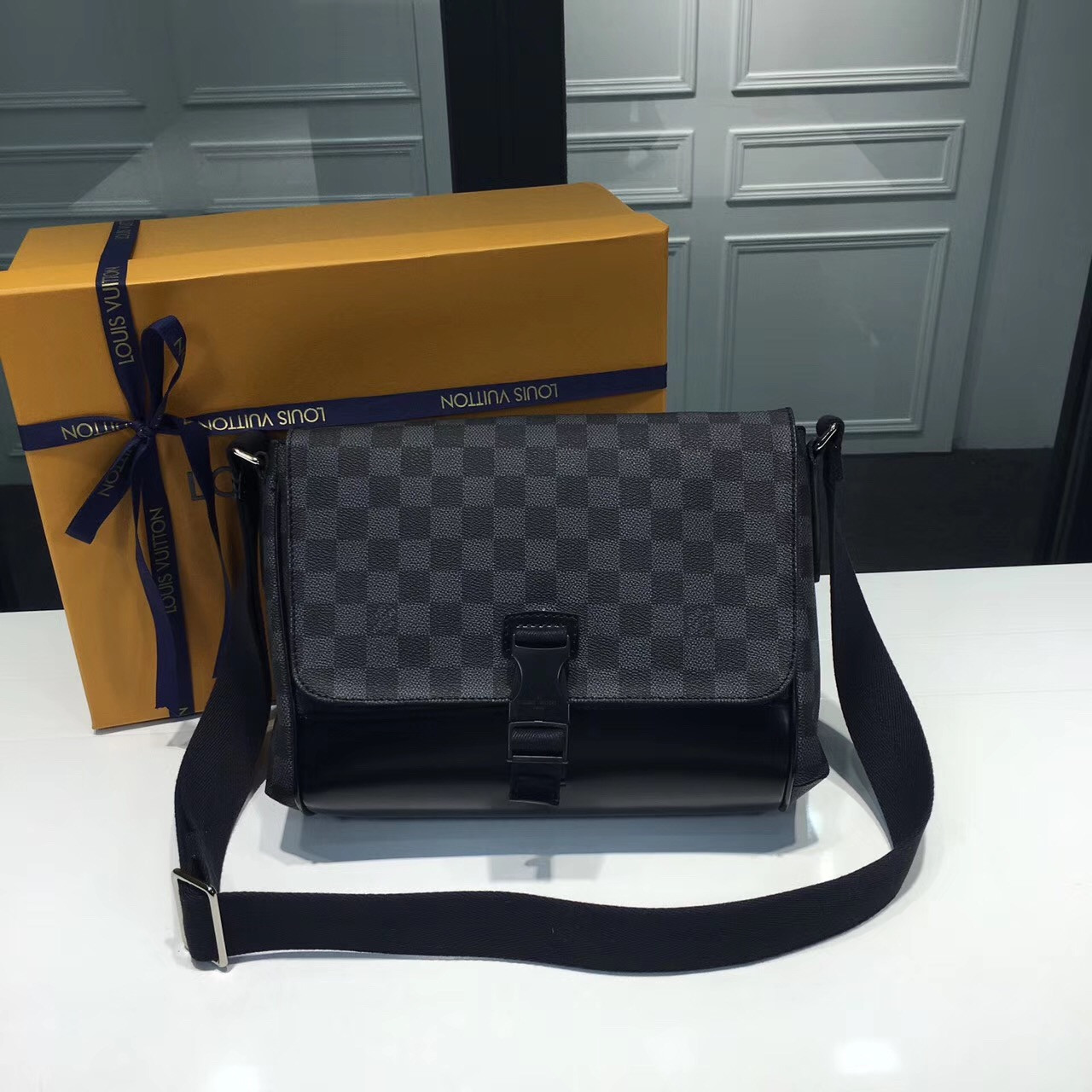 7ca6f90dca91 Louis Vuitton - мужская сумка Messenger MM, цена 7 300 грн., купить ...