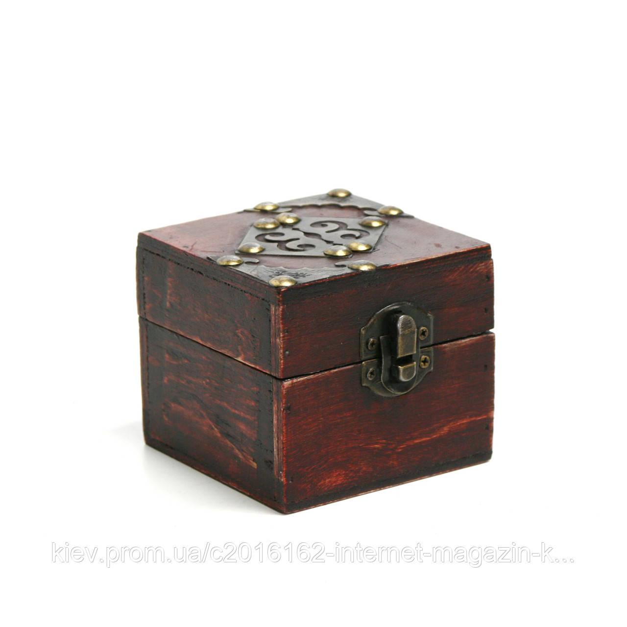 Шкатулочка деревянная Home4You BAO-2  8x8x7cm  brown  wood