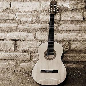 Музыкальные инструменты и аксессуары
