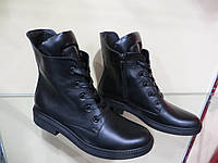 Зимние ботинки на шнурках в коже