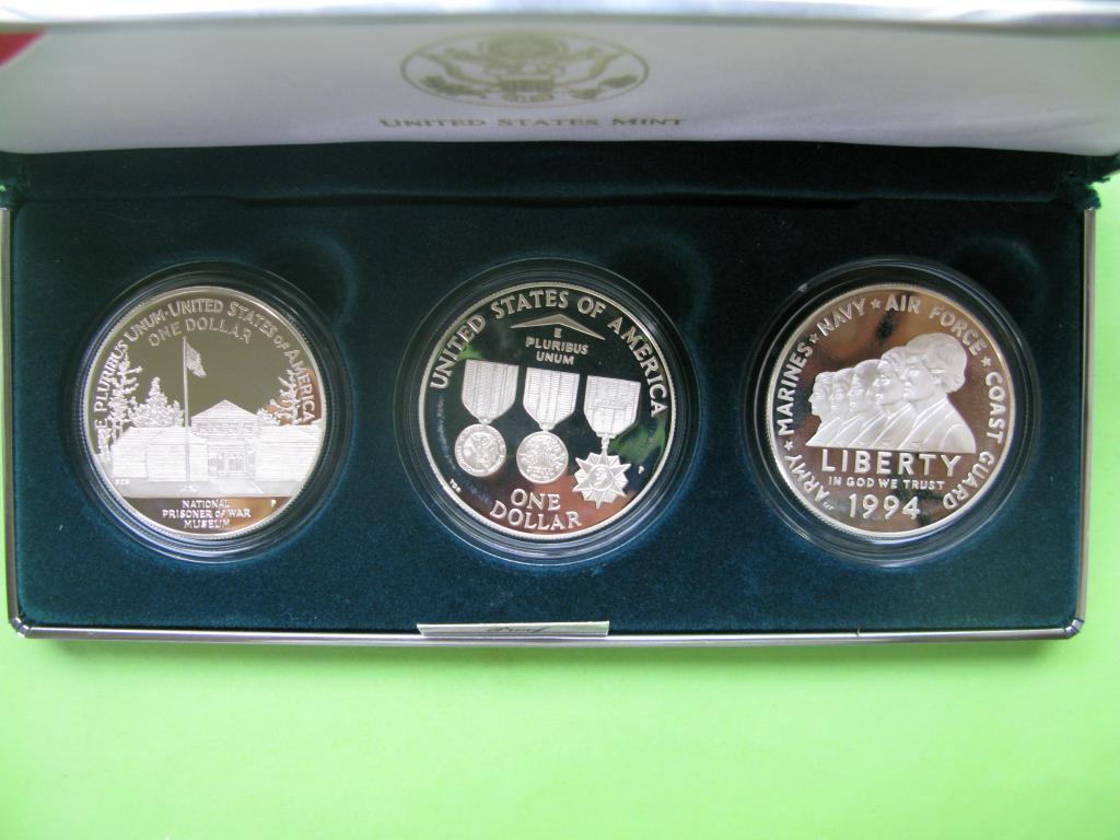 США 1 доллар 1994 г.серебро 3 монеты  Мемориал ветеранов Вьетнама. Пруф.