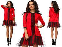 Красное нарядное трикотажное короткое платье с кружевной вставкой и черным фатином на юбке. Арт-2643/39