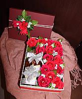 Подарочная коробка с конфетами и коньяком