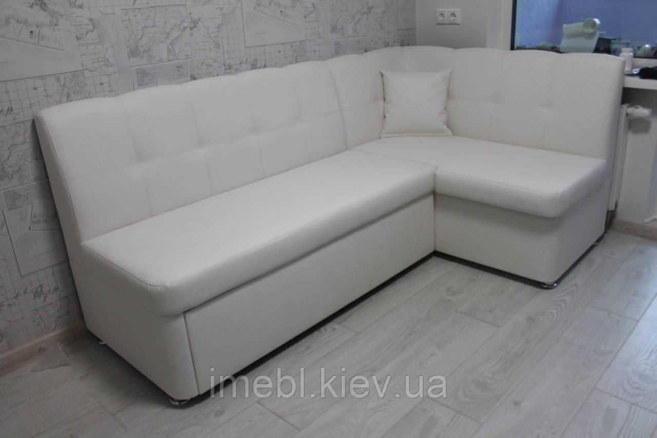 Угловой кухонный диван в коже заменителе белого цвета