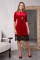 Красное велюровое платье с гипюром хит сезона