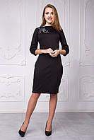 Красивое женское платье с камнями черного цвета