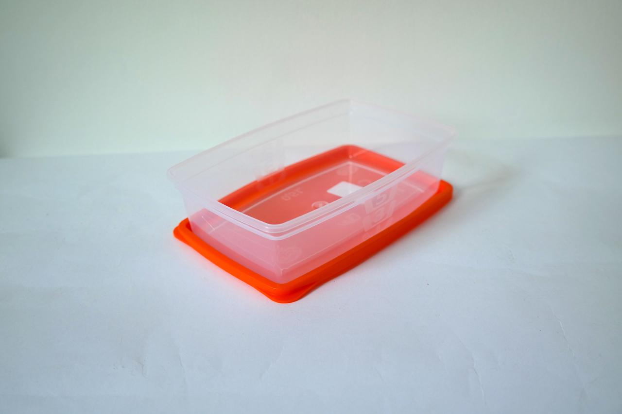 Герметичный контейнер 0.9л