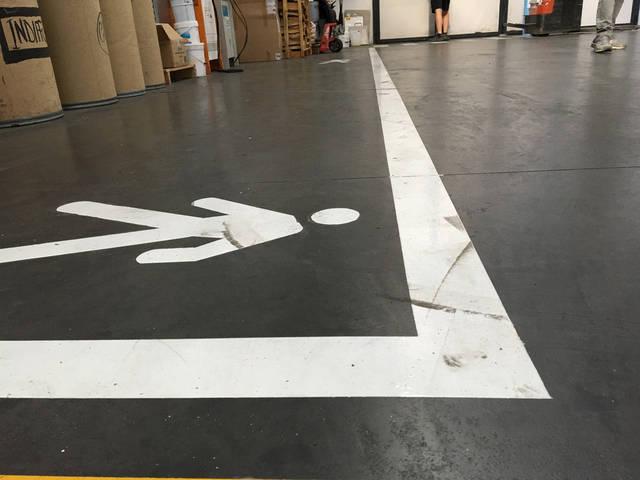 Покрытие бетона и нанесение разметки в складском помещении -1
