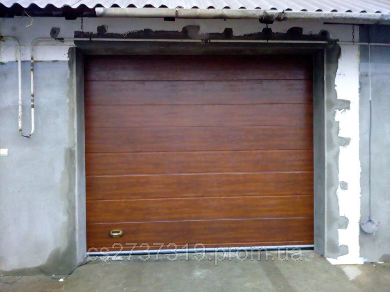 Гаражные секционные ворота  DoorHan 3070*2600, автоматические