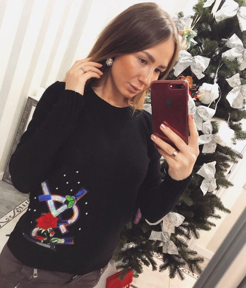 Красивый женский свитер Луи Витон реплика