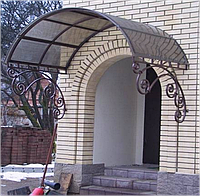 Навес аркой над входной дверью