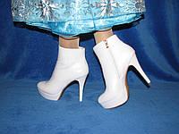 Карнавальные белые сапоги батильоны на высоком каблуке Эльзы