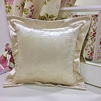 Декоративная подушка с ушками 40х40: велюр крем, наволочка на молнии, наполнитель холлофайбер