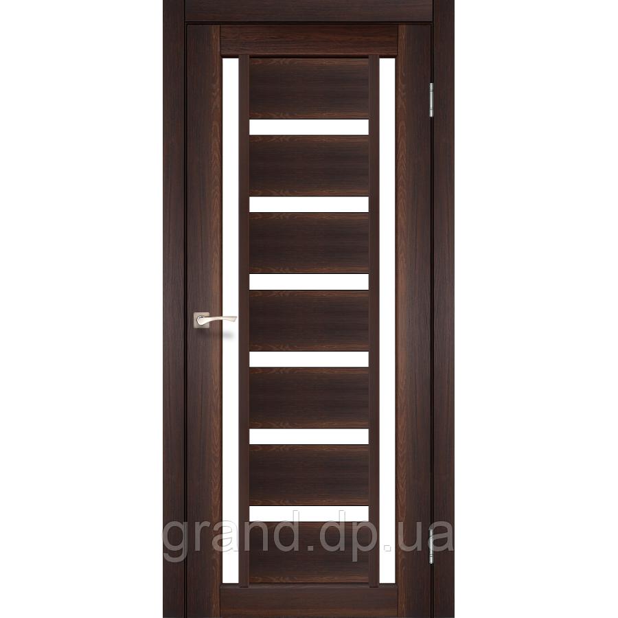 Двери межкомнатные  Корфад VALENTINO Модель: VL-02 цвет орех с матовым стеклом