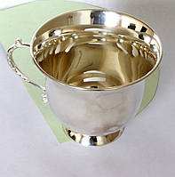 Срібна чашка